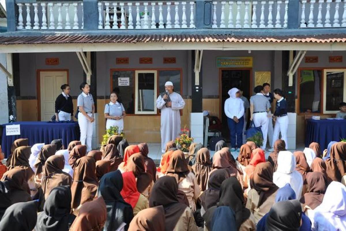 Jalinan Kasih Tzu Chi di Pondok Pesantren Darul Inayah