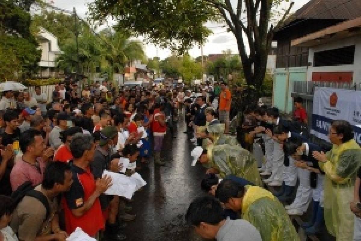 """Banjir Manado: """"Si Tou Timou Tumou Tou"""""""