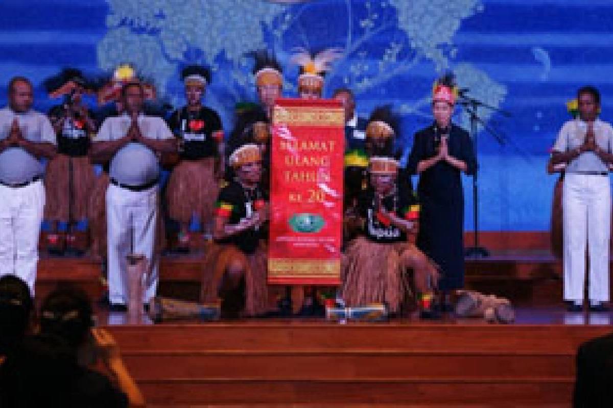 20 Tahun Tzu Chi Indonesia: Tzu Chi Papua dalam Sendra Tari