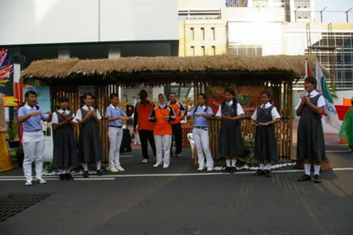 Bersekolah di Sepanjang Sudirman-Thamrin
